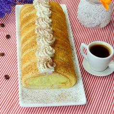 Ruladă Diplomat cu banane- deosebit de gingașă, perfectă pentru ceai! - savuros.info Waffles, Cheesecake, Homemade, Cookies, Breakfast, Mai, Sweet Stuff, Foods, Cake Recipes