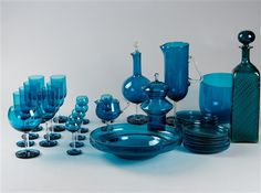 View Harlekiini by Nanny Still McKinney on artnet. Browse upcoming and past auction lots by Nanny Still McKinney. Blenko Glass, Murano Glass, Glass Vase, Liquor Glasses, Glass Artwork, Glass Collection, Porcelain Ceramics, Glass Design, Art Market