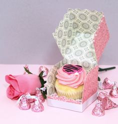 Samantha Walker's Imaginary World: Samantha Walker's No Mess Scalloped Cupcake Box and How to Make Double Sided Paper
