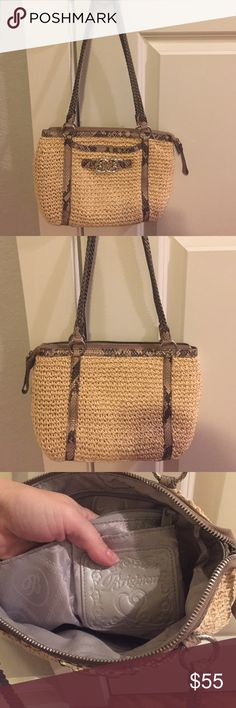 "Brighton Straw Handbag Like new super cute Brighton Straw Handbag! Used twice and paid over $150! Measures 12"" x 8""! Great size! Check out my closet too! Brighton Bags Shoulder Bags"