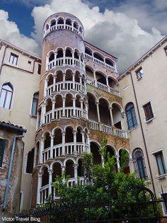 Palazzo Contarini del Bovolo (also called Palazzo Contarini Minelli dal Bovolo) by architect Giovanni Candi. Venice, Italy. Venezia Veneto
