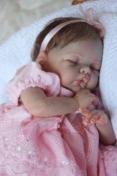 Reborn baby doll Adelynn Limited edition by SnowAngelsNursery Life Like Baby Dolls, Life Like Babies, Cute Baby Dolls, Baby Girl Dolls, Reborn Toddler Dolls, Newborn Baby Dolls, Reborn Dolls, Reborn Babies, Baby Born