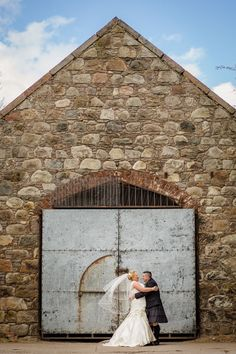Thistle Hotel Altens Aberdeen Wedding. Bride groom farm rustic portraits. By Fotomaki Photography.