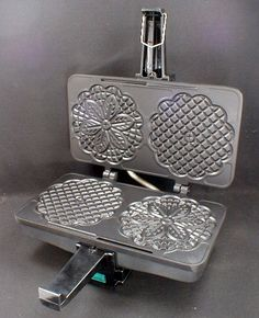 How to Clean a Pizzelle Maker - Deringa Pizzelle Maker, Pizzelle Cookies, Waffle Cookies, Authentic Italian Pizzelle Recipe, Lemon Pizzelle Recipe, Cookie Desserts, Cookie Recipes, Waffle Ice Cream, Happy Kitchen