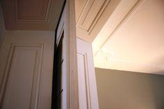 Kamer en suite met plafondornament