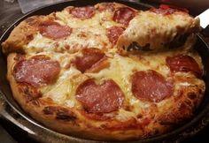 9 ütős pizzarecept a pizza világnapjára My Recipes, Vegan Recipes, Taco Pizza, Apple Salad, Food Snapchat, Hawaiian Pizza, Pepperoni, No Cook Meals, Bacon