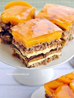 Słoneczna Delicja - Christmas cake with delicates, peaches - MC Cupcake Recipes, Baking Recipes, Cupcake Cakes, Dessert Recipes, No Bake Treats, No Bake Desserts, Delicious Desserts, Chocolate Cheesecake Recipes, Pumpkin Cheesecake