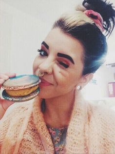 Discovered by Find images and videos about singer, melanie martinez and cry baby on We Heart It - the app to get lost in what you love. Adele, Indie Pop, Cry Baby, Melanie Martinez Pictures, Mealine Martinez, Crybaby Melanie Martinez, Talent Show, Queen, Her Music