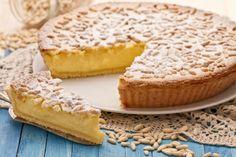 Italian Torta della nonna - lemon custard filling with pine nuts and powdered sugar My Recipes, Baking Recipes, Sweet Recipes, Cake Recipes, Dessert Recipes, Favorite Recipes, Italian Cake, Italian Desserts, Köstliche Desserts