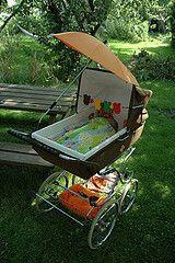 In zo'n kinderwagen lagen mijn kinderen 1975
