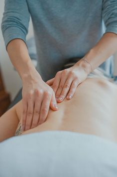 I Tried a Lymphatic Drainage Massage and Heres What Happened #theeverygirl #lymphmassage #lymph #massage #blood