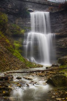 Buttermilk Falls, Hamilton, Ontario, Canada (I knew this place looked familiar) All Nature, Amazing Nature, Beautiful Waterfalls, Beautiful Landscapes, Places To Travel, Places To See, Beautiful World, Beautiful Places, Ontario Travel