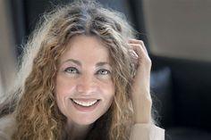 Iniciadora del idealismo mágico, esta escritora colombiana, ganadora de diferentes premios, es la segunda más leída después de Gabriel García Marquez.