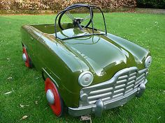 1950s Triang Ford Zephyr Pedal Car - http://www.classiccarsunder1000.com/archives/45808