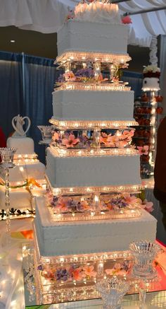 Extravagant Wedding Cakes, Big Wedding Cakes, Beautiful Wedding Cakes, Wedding Cake Designs, Dream Wedding, Wedding Day, Quinceanera Planning, Quinceanera Decorations, Quinceanera Themes
