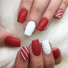 42 Beautiful Sweater Nail Designs Perfect For Christmas - The Glossychic Christmas Gel Nails, Christmas Nail Art Designs, Holiday Nails, Sns Nails Colors, Red Nails, Hair And Nails, Cute Nails, Pretty Nails, Sweater Nails