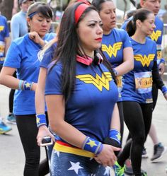 Blog sobre la cultura pop: Carrera Wonder Woman 10k! #wonderwoman #wonderwomancosplayer #dccomics #emociondeportiva #carrera #runner #bgcpop