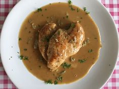 Kip alla Marsala - kip recept maken Little Italy, Isagenix, Marsala, Hummus, Thai Red Curry, Chicken Recipes, Meat, Ethnic Recipes, Indian