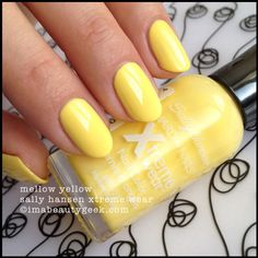 Mellow Yellow 360 - Sally Hansen Xtreme Wear