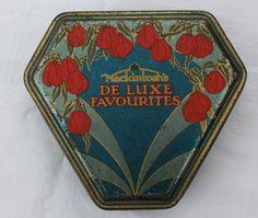 Vintage Mackintosh's De Luxe Favourites toffee tin by Tinternet