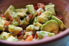 Avokado-salat med dild og tomat | Månebarnet