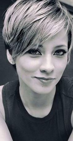 23 Latest Short Hairstyles for 2019 – Hairstyle Inspirations for Everyone - Street Style Insp. bob pixie 23 Latest Short Hairstyles for 2019 – Hairstyle Inspirations for Everyone - Street Style Inspiration Deutsch Buchen Sie Ihre Fotos. Pixie Haircut For Thick Hair, Short Pixie Haircuts, Trendy Haircuts, Pixie Hairstyles, Cool Hairstyles, Haircut Medium, Black Hairstyles, Pixie Haircut Styles, Pixie Cut With Bangs