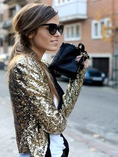 A sparkly gold New Year's Eve outfit! NYE New Year's Eve outfit inspiration ideas. Look Fashion, Fashion Beauty, Autumn Fashion, Party Fashion, Fashion 2015, Christmas Fashion, Christmas Holiday, Fashion Coat, Holiday Wear