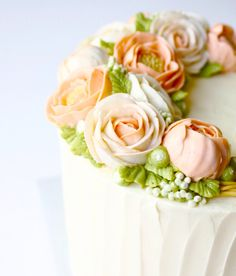 Gorgeous buttercream flowers by Eat Cake Be Merry