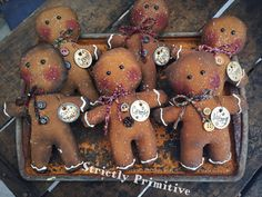 Primitive Gingerbread men gingerbread by StrictlyPrimitive Gingerbread Crafts, Gingerbread Decorations, Snowman Crafts, Christmas Gingerbread, Christmas Snowman, Christmas Decorations, Christmas Ornaments, Merry Christmas, Snowman Wreath