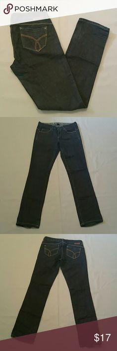 Calvin Klein Body Skinny Dark Denim Jeans 10 x 33 Body Skinny / Size 10 / Made in Mauritius / 100% Cotton / Inseam 33 Calvin Klein Jeans Skinny