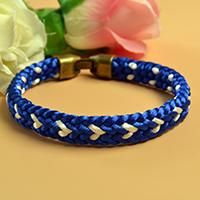 Wanna learn DIY kumihimo friendship bracelets? This Pandahall tutorial will show you how to make a blue kumihimo braided friendship bracelet.