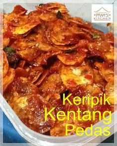 Keripik kentang pedas Savory Snacks, Snack Recipes, Dessert Recipes, Cooking Recipes, Desserts, Food N, Food And Drink, Indonesian Cuisine, Indonesian Recipes