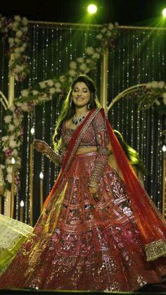 Royal Indian Wedding, Indian Wedding Lehenga, Indian Wedding Photos, Indian Bridal Makeup, Indian Bridal Outfits, Indian Bridal Fashion, Wedding Makeup, Engagement Dresses, Engagement Lehnga