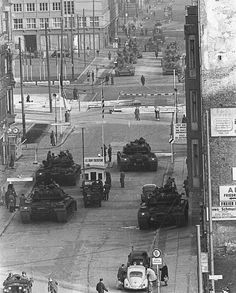 Western and Soviet tanks face off at Checkpoint Charlie during the Berlin Crisis, 1961
