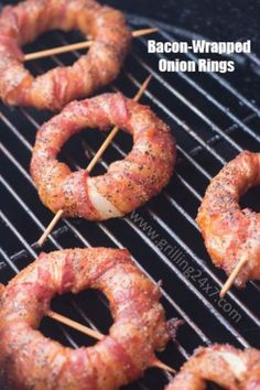 Spicy Sriracha Onion Rings The original smoked bacon wrapped onion ring recipe with sriracha dipping sauce.The original smoked bacon wrapped onion ring recipe with sriracha dipping sauce. Bacon Recipes, Paleo Recipes, Appetizer Recipes, Cooking Recipes, Barbecue Recipes, Party Appetizers, Cooking Bacon, Cooking Food, Recipes Dinner