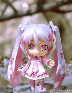 「ねんどろいど 桜ミク」が商品化決定!可愛すぎワロタwww そして偽ねんどろ桜ミクに注意! : はちま起稿