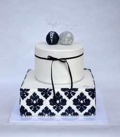 Black & White wedding cake - Cake by majalaska
