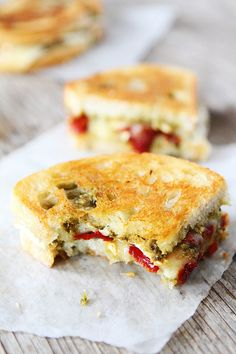 Grilled cheese sandwich with melty brie, basil pesto, and sweet red peppers. This vegetarian grilled cheese sandwich is great for lunch or dinner. Pesto Grilled Cheeses, Grilled Cheese Recipes, Panini Recipes, Recipes With Brie Cheese, Burger Recipes, Tostadas, Casadia Recipe, Brie Sandwich, Sandwich Ideas