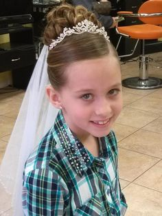 updo for first communion Girls Updo, Girls Hairdos, Flower Girl Hairstyles, Little Girl Hairstyles, Communion Shoes, Holy Communion Dresses, Communion Hairstyles, Hair Dos, Wedding Stuff