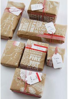Embrulhos de presente para o Natal com papel KRAFT O papel Kraft (papel pardo) contrasta bem  contrasta bem com o enfeite que escolher,  deixa o presente personalizado. O Toque especial é todo seu!!!