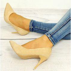 Pískové dámské lodičky na vysokém podpatku - manozo.cz Beautiful Shoes, Kitten Heels, Fashion, Cute Wedges Shoes, Moda, Cute Shoes, Fashion Styles, Fasion