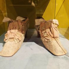 Fenty Puma, Bow Sneakers, Ladies Boutique, Lady, Shoes, Fashion, Moda, Zapatos, Shoes Outlet