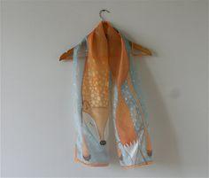 Sciarpa di seta (colori grigi, arancioni, volpe), sciarpa grigio, sciarpa invernale, sciarpa dipinta dipinta a mano