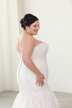 c38717e44cd 78 Amazing Plus Size Wedding Gowns images in 2019