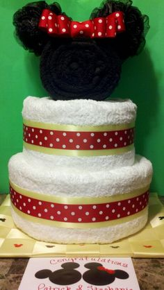 Minnie Mouse wedding towel cake