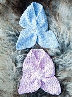 Foto: May B. Baby Snacks, Knitting For Kids, Baby Knitting Patterns, Crochet Gloves, Knit Crochet, Baby Barn, Knitted Baby Blankets, Baby Leggings, Kids And Parenting