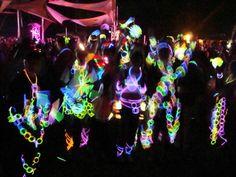 i rock glow sticks!