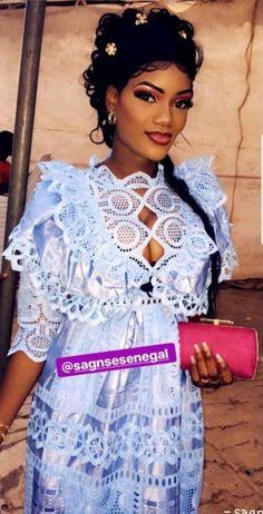 Gallérie African Attire, African Fashion Dresses, African Dress, Classy Chic, Braided Hairstyles, Small Spaces, Fashion Women, Design Ideas, Wedding