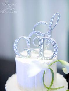 Crystal Monogram Cak