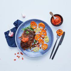 Kochen und Backen mit ALDI SÜD: Höllisch-scharfes Steak mit Kartoffelgeistern einfach und schnell selbst zubereiten mit unserer Schritt-für-Schritt Anleitung ➜ Jetzt entdecken bei ALDI. Chef Recipes, Cooking
